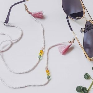 Brillenkette handgemacht Julia Perlen Rosa Alles Interior Boho Scandi Look anitimadeforyou Concept Store Langenfeld Trockenblumen, Trockenblumen Kränze, Workshops, Schmuck