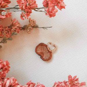 Earcuff Half Heart Goldfarben Earcuffs Interior Boho Scandi Look anitimadeforyou Concept Store Langenfeld Trockenblumen, Trockenblumen Kränze, Workshops, Schmuck