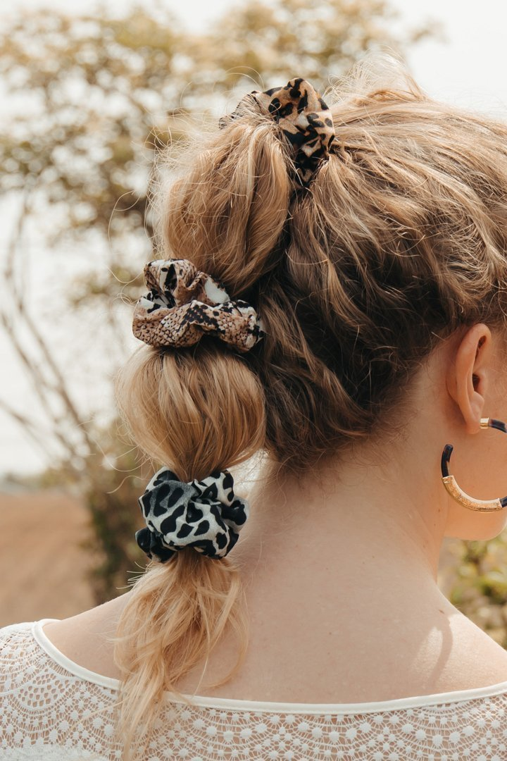 scrunchie, Scrunchies – 7 Trendfrisuren mit dem coolsten Haargummi