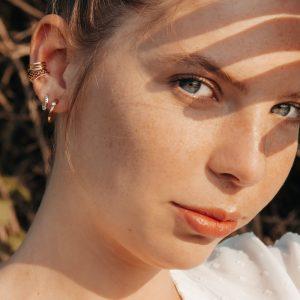 weiße brillenkette mit perlen