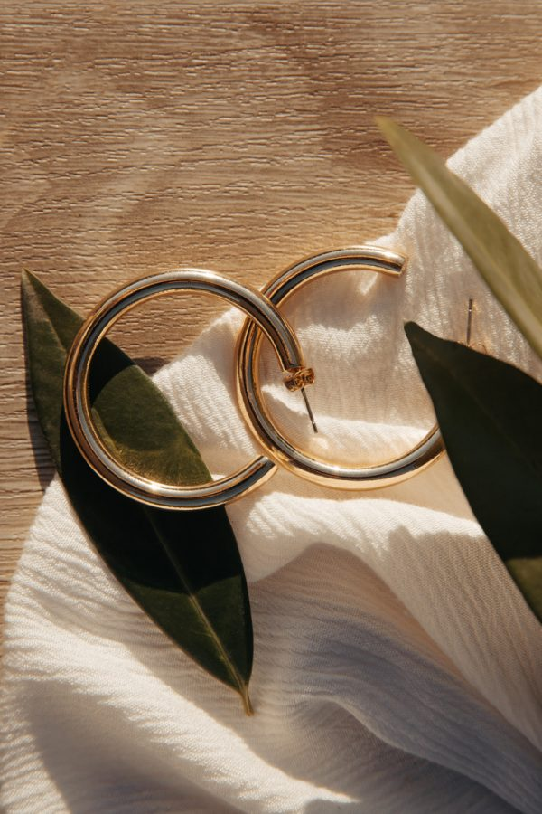 SIMPLY – mittlere Creolen goldfarben Alles Interior Boho Scandi Look anitimadeforyou Concept Store Langenfeld Trockenblumen, Trockenblumen Kränze, Workshops, Schmuck
