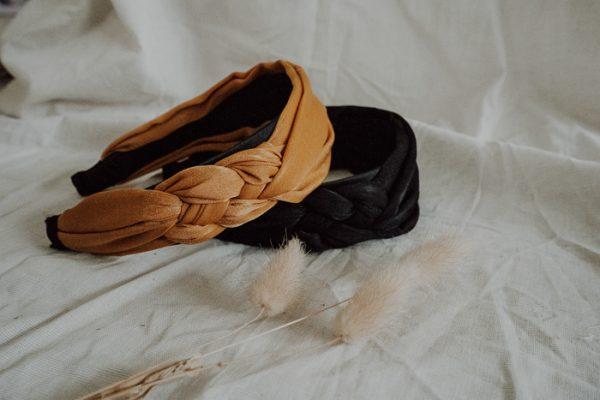 Haarreif seitlich geflochten – verschiedene Farben Alles Interior Boho Scandi Look anitimadeforyou Concept Store Langenfeld Trockenblumen, Trockenblumen Kränze, Workshops, Schmuck