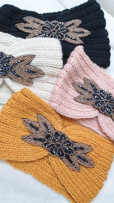 Stirnband beschmückt, verschiedene Farben Alles Interior Boho Scandi Look anitimadeforyou Concept Store Langenfeld Trockenblumen, Trockenblumen Kränze, Workshops, Schmuck