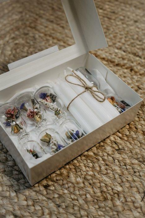 Geschenkbox Trockenblumen in Glas Kerzenhalter Alles Interior Boho Scandi Look anitimadeforyou Concept Store Langenfeld Trockenblumen, Trockenblumen Kränze, Workshops, Schmuck