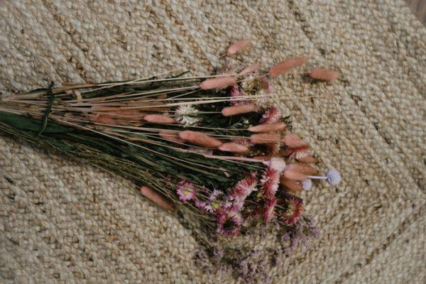Trockenblumen Strauss Pink Blush Alles Interior Boho Scandi Look anitimadeforyou Concept Store Langenfeld Trockenblumen, Trockenblumen Kränze, Workshops, Schmuck