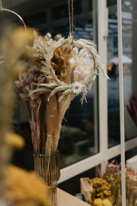 Kränze aus Trockenblumen