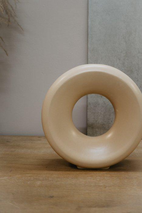 Vase Round Beige HKLIVING Alles Interior Boho Scandi Look anitimadeforyou Concept Store Langenfeld Trockenblumen, Trockenblumen Kränze, Workshops, Schmuck