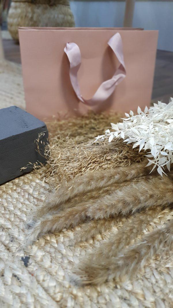 DIY Trockenblumen in Tasche Rosa DIY Pakete und Zubehör Interior Boho Scandi Look anitimadeforyou Concept Store Langenfeld Trockenblumen, Trockenblumen Kränze, Workshops, Schmuck