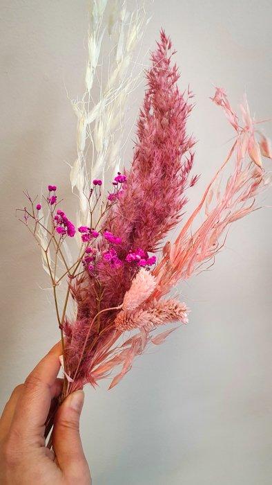 Mini Trockenblumen Strauss Pinky Alles Interior Boho Scandi Look anitimadeforyou Concept Store Langenfeld Trockenblumen, Trockenblumen Kränze, Workshops, Schmuck