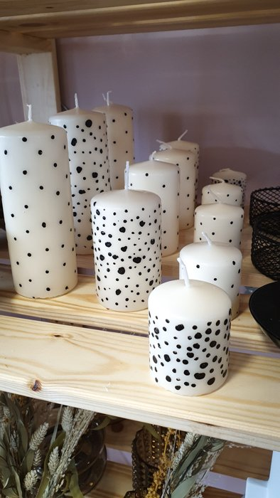 Stumpenkerzen – verschiedene Größen Interior Interior Boho Scandi Look anitimadeforyou Concept Store Langenfeld Trockenblumen, Trockenblumen Kränze, Workshops, Schmuck