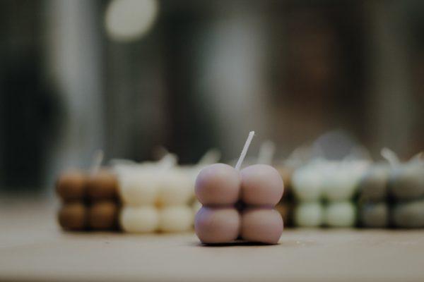 Kerze Mini Bubble – Rapswachs – handgefertigt Interior Interior Boho Scandi Look anitimadeforyou Concept Store Langenfeld Trockenblumen, Trockenblumen Kränze, Workshops, Schmuck