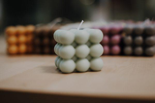 Kerze Bubble – Rapswachs – handgefertigt Interior Interior Boho Scandi Look anitimadeforyou Concept Store Langenfeld Trockenblumen, Trockenblumen Kränze, Workshops, Schmuck