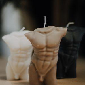 Kerze Zeus – männliche Kerze – Rapswachs – handgefertigt Interior Interior Boho Scandi Look anitimadeforyou Concept Store Langenfeld Trockenblumen, Trockenblumen Kränze, Workshops, Schmuck