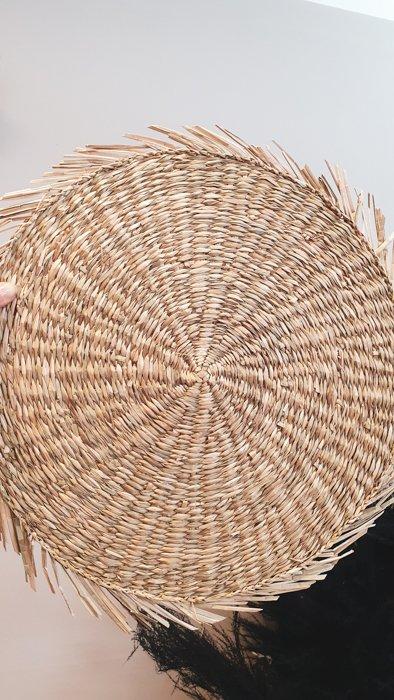 Teller Untersetzer Beige Fransen Alles Interior Boho Scandi Look anitimadeforyou Concept Store Langenfeld Trockenblumen, Trockenblumen Kränze, Workshops, Schmuck