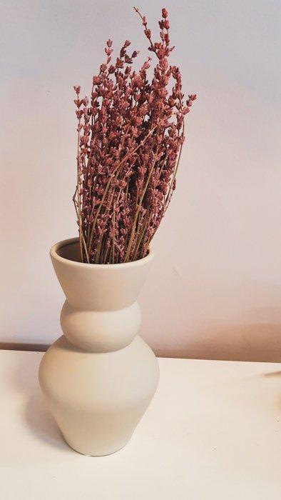 getrockneter Lavendel – Bund Rosa Alles Interior Boho Scandi Look anitimadeforyou Concept Store Langenfeld Trockenblumen, Trockenblumen Kränze, Workshops, Schmuck