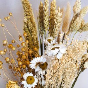 Trockenblumen Strauss Wildflowers M Beige Alles Interior Boho Scandi Look anitimadeforyou Concept Store Langenfeld Trockenblumen, Trockenblumen Kränze, Workshops, Schmuck