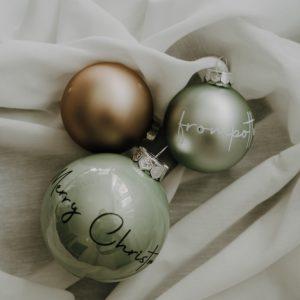 personalisierte Weihnachtskugeln 6cm Alles Interior Boho Scandi Look anitimadeforyou Concept Store Langenfeld Trockenblumen, Trockenblumen Kränze, Workshops, Schmuck