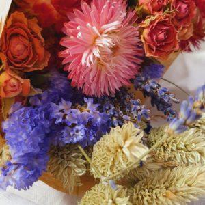 Trockenblumen Strauss Midi Lila Mix Alles Interior Boho Scandi Look anitimadeforyou Concept Store Langenfeld Trockenblumen, Trockenblumen Kränze, Workshops, Schmuck